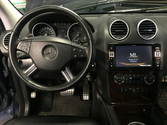 gps-alpine-style-ml-mercedes-salon